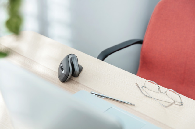 Trust Verro vertikális ergonomikus vezeték nélküli egér - fekete