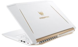 Acer Predator Helios 300 Special Edition - PH315-51-763K - Fehér - Gamer notebook - Limited Edition